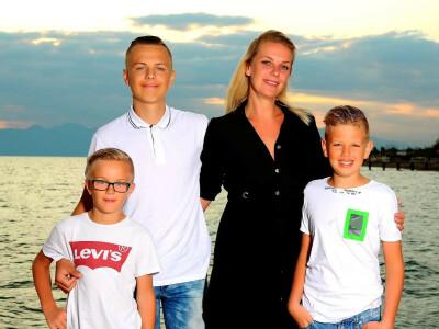ZaZa Casting familie ID: 1005