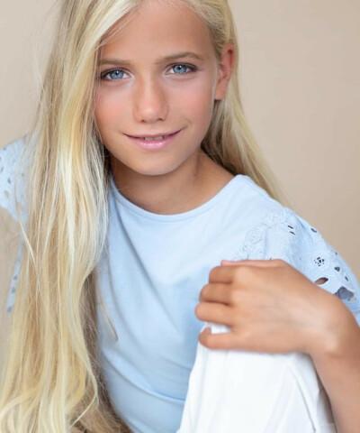 ZaZa Casting model ID: 7099