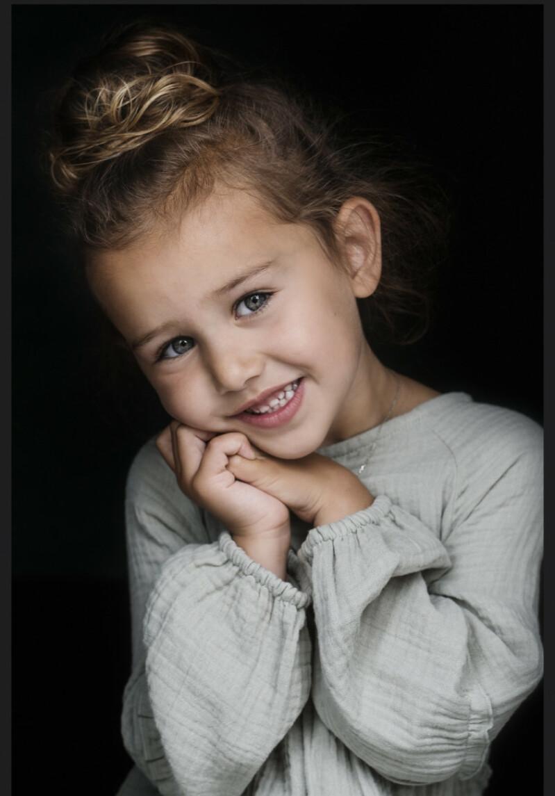 ZaZa Casting model ID: 10820
