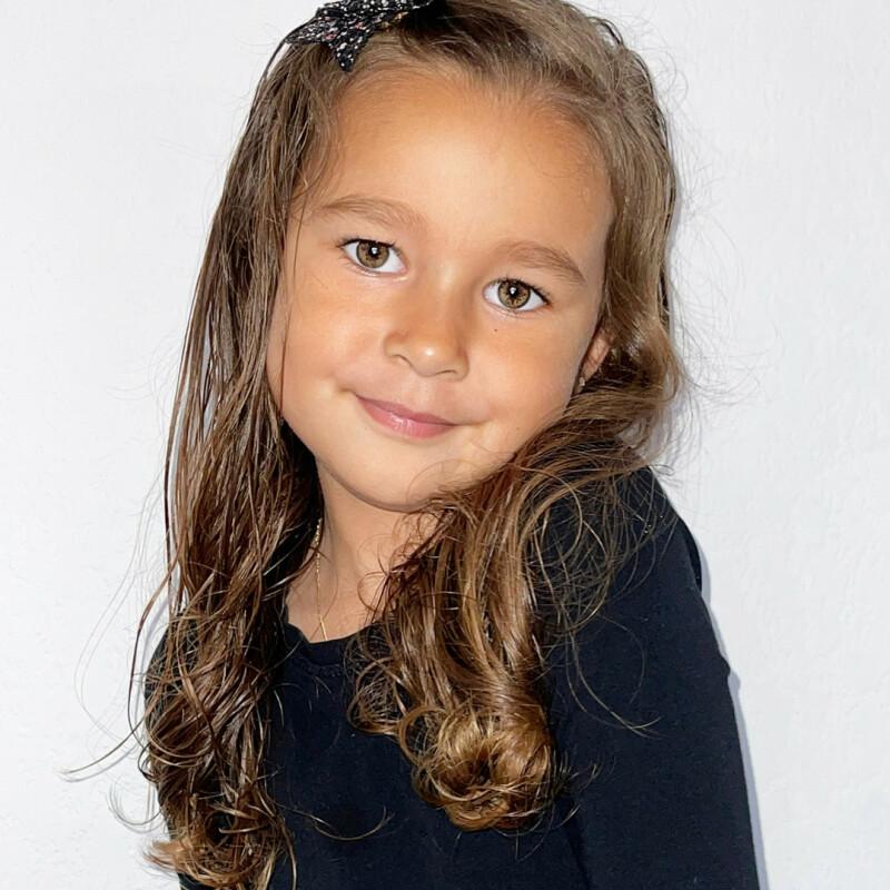 ZaZa Casting model ID: 8345