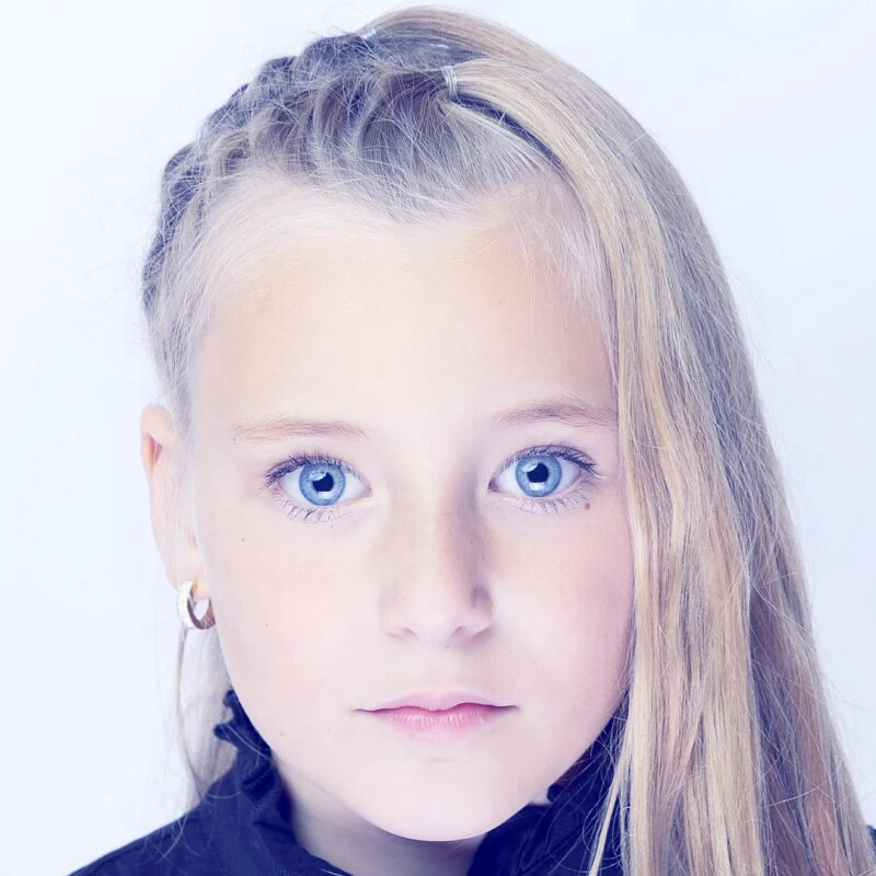 ZaZa Casting model ID: 2411