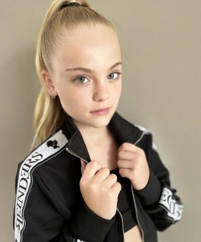 ZaZa Casting model ID: 9881