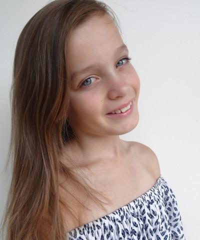 ZaZa Casting model ID: 10492