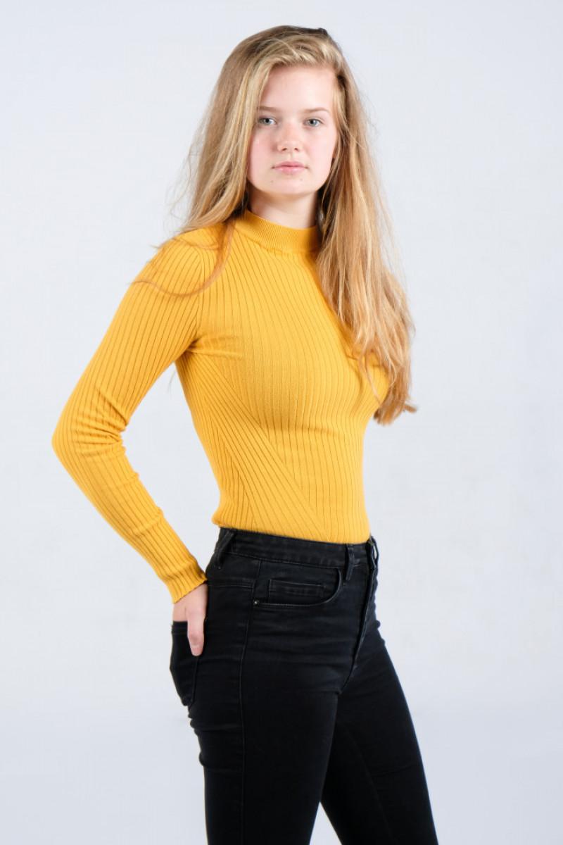 ZaZa Casting model ID: 9922