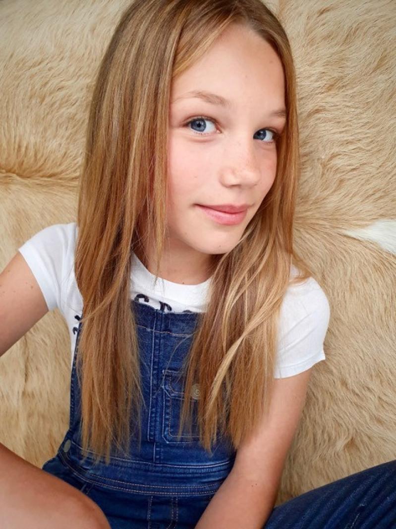 ZaZa Casting model ID: 12835